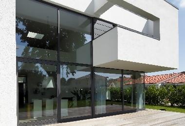 Fenster und Schiebetüren von Schüco